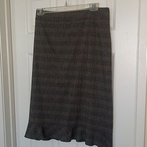 Plaid skirt with ruffled hem